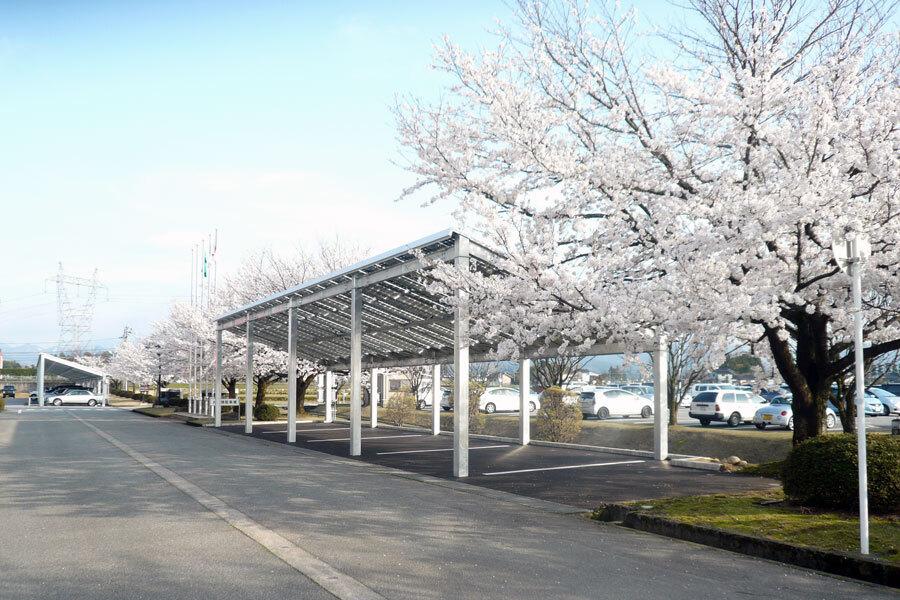 グループ本部カーポート太陽光発電