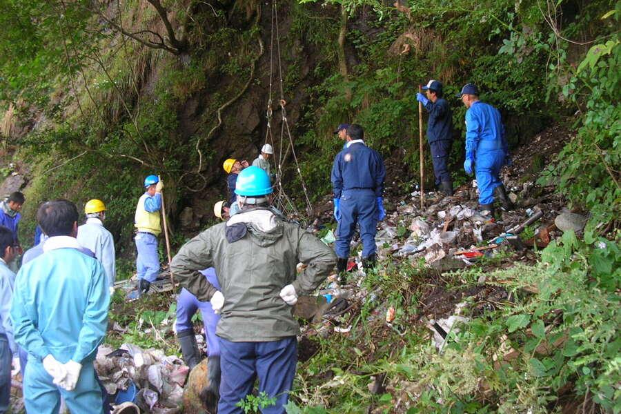 不法投棄廃棄物撤去活動