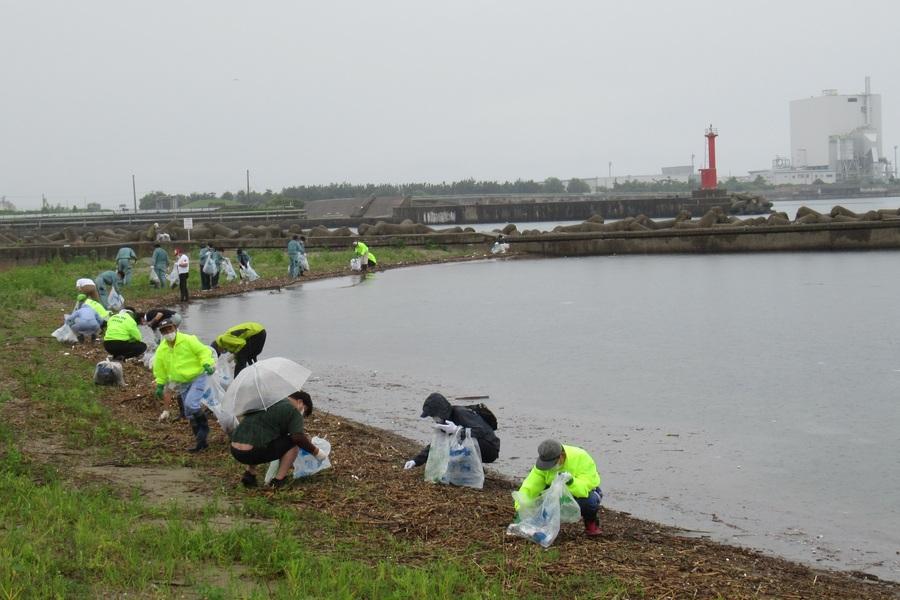 富山県:海岸清掃や食品ロス削減など、富山県の環境を守る取組みをしています。