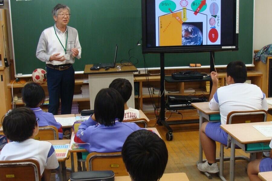 県内の10歳の児童(小学4年生)を対象とした地球温暖化に関する環境教育を行っています!(とやま環境チャレンジ10)