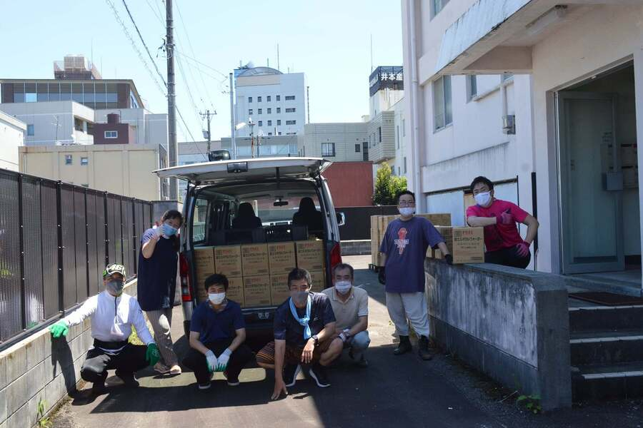 企業からの防災備蓄品の受け取り、お手伝いにかけつけてくださった、もったいない仲間に感謝いたします!