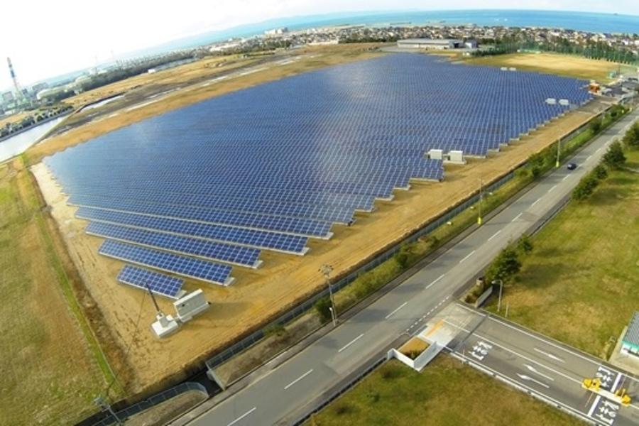 富山新港太陽光発電所