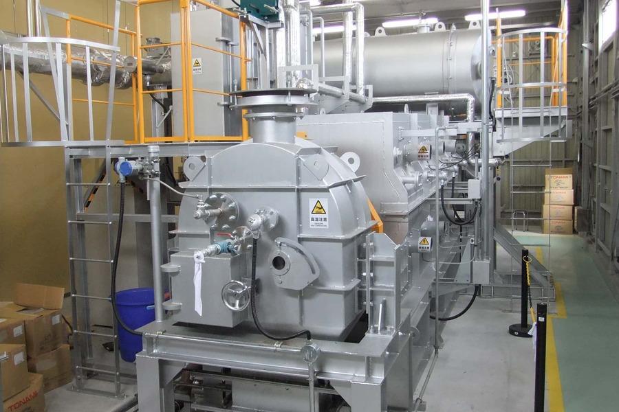 プラスチックを高温で除去し、油や熱を回収します
